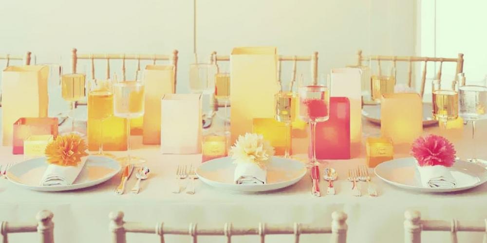 DIY : des fleurs en mouchoir en papier pour décorer une table