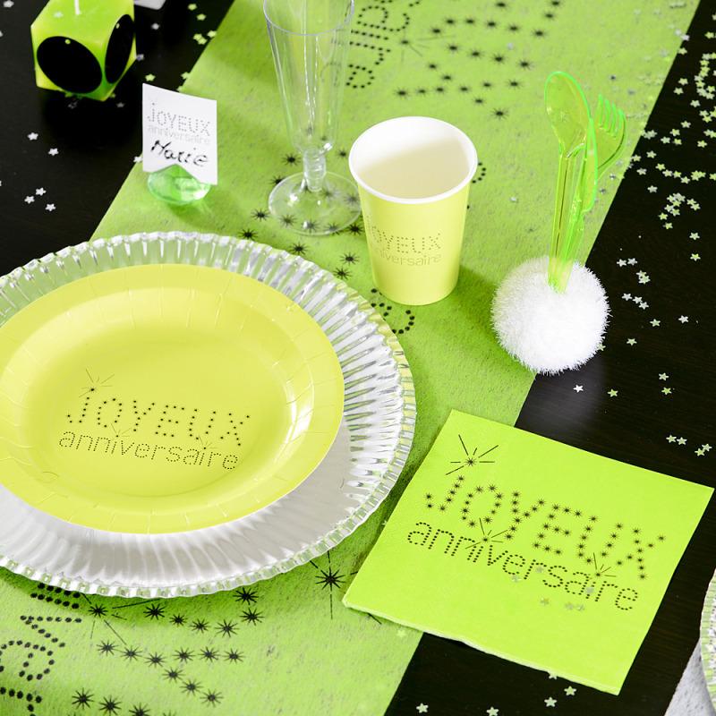 chemin de table joyeux anniversaire vert rouleau de 5 m tres. Black Bedroom Furniture Sets. Home Design Ideas